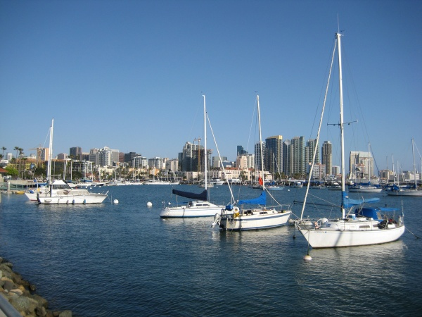 From the marina looking south along Harbor Drive towards downtown San Diego.