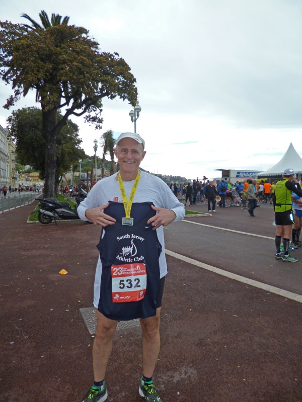 Representing my home club at the Semi-marathon International de Nice 2014.